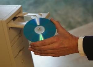 Дисковод компакт дисков CD-ROM